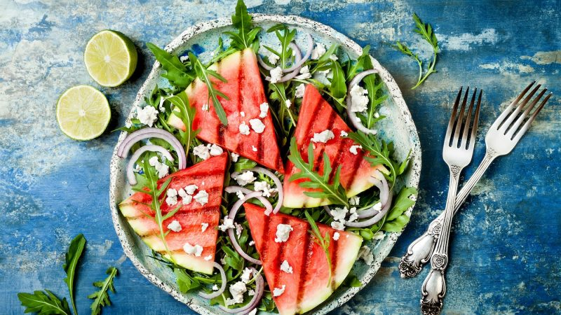 7 healthy reasons why we should all be eating more watermelon
